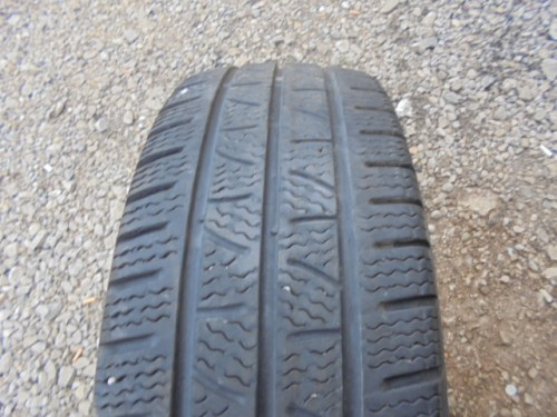 Pirelli Carrier Winter gumiabroncs